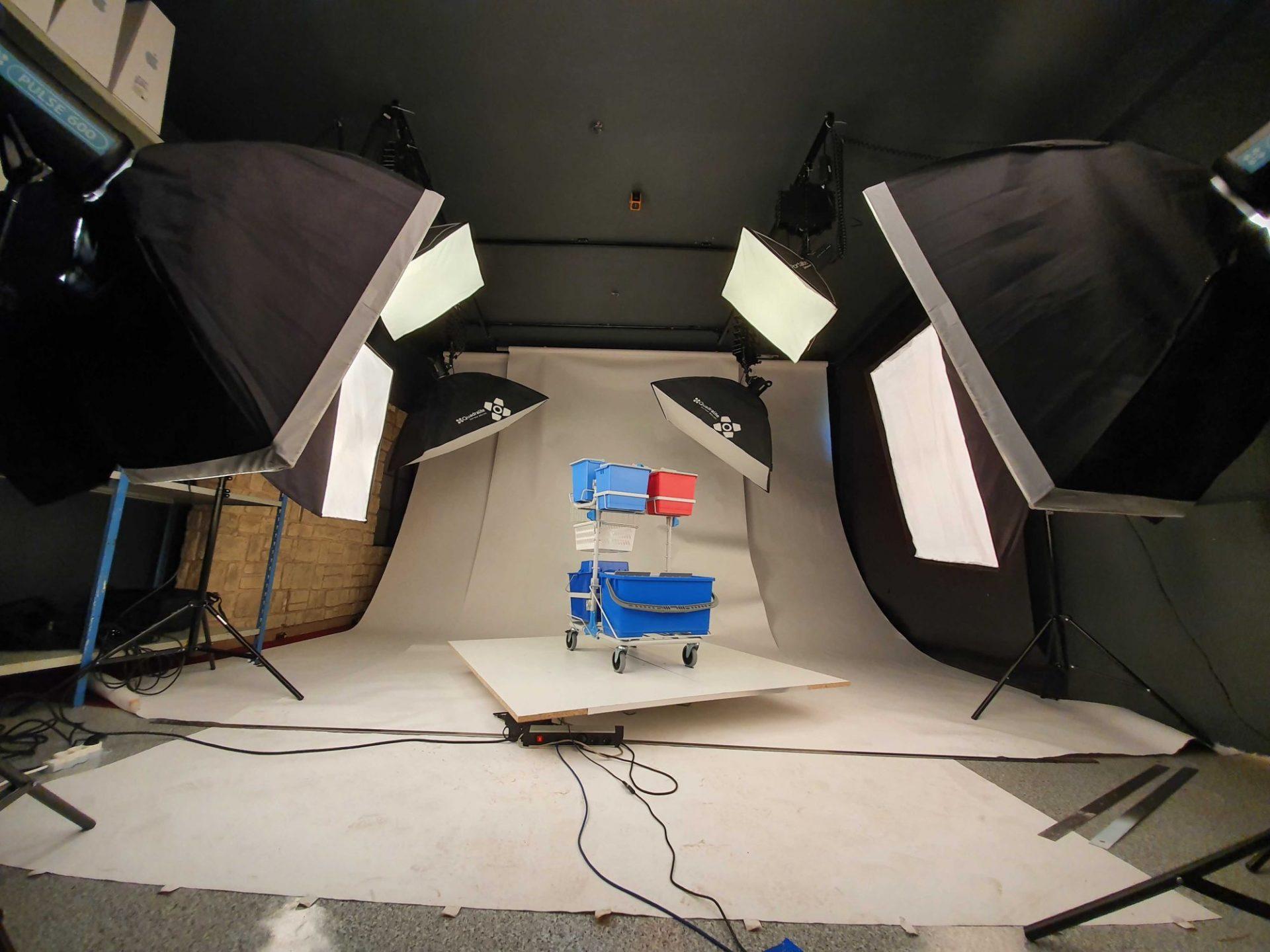 Studio mobilne - zdjęcia produktowe realizujemy nie tylko na Poznań.
