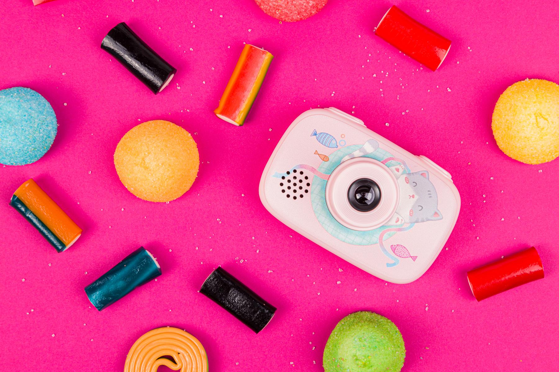 Kreatywna fotografia produktowa - ważna jest dobór kolorów i akcesoriów.